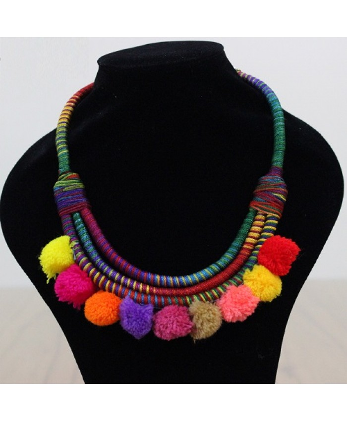 COLLAR MULTICOLOR CON POMPONES - AVANZATTO 20412